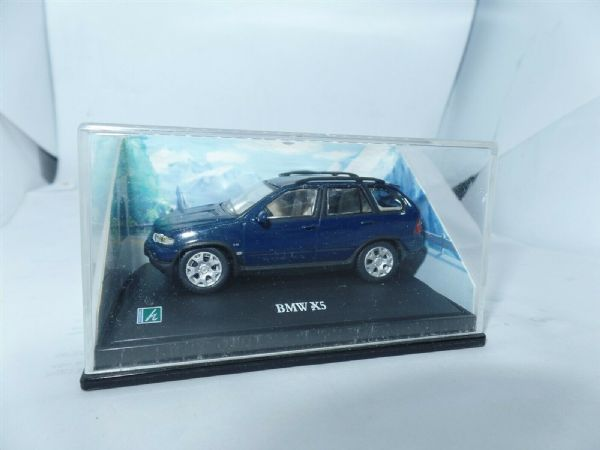 Cararama 1/72 Scale BMW X5 Blue